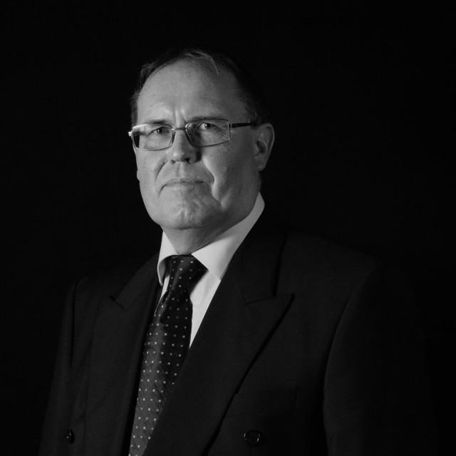 Dr. Hugo Grossenbacher